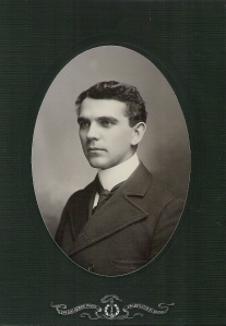 MHS c 1906