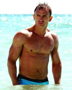 Daniel Craig Shirtless