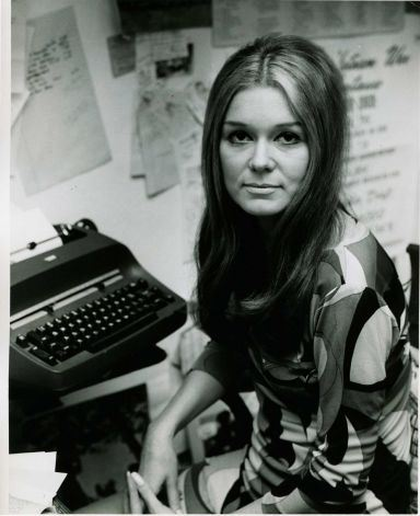 gloria steinem at the keyboard