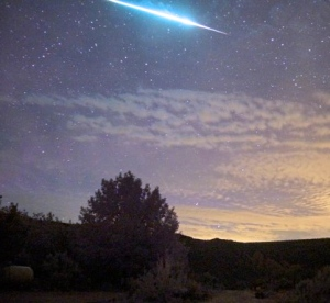 meteor-bright-Perseid-Mike-Lewinski-Embudo-NM-e1376334865677